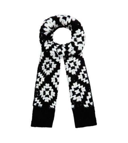 Black-white-crochet-scarf-1
